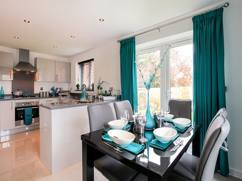 3 bedroom  house  in Corby