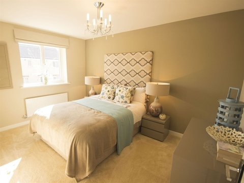 4 bedroom  house  in Corby