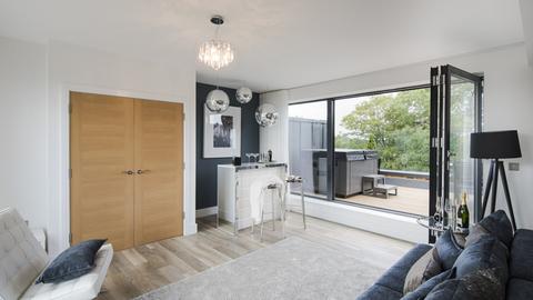 4 bedroom  house  in Uxbridge