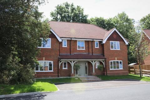 Winchfield, Hampshire RG27
